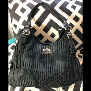 COACH MAGGIE BLACK GATHERED TOTE SATCHEL
